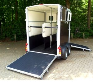 Modern Horsebox Hire